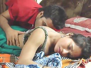 Hot bhabhi romance with servant BHabhi Ki Chudai